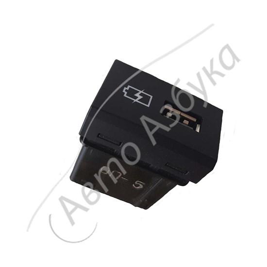 Розетка USB для задних пассажиров (в подлокотнике) на ВАЗ Веста, Икс Рэй - фото 12074