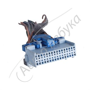 Разъем контроллера Январь 4 инжектор 32 клемм на ВАЗ 2110